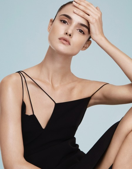 Blanca Padilla Goes Minimal in Vogue Mexico by Alvaro Beamud Cortes