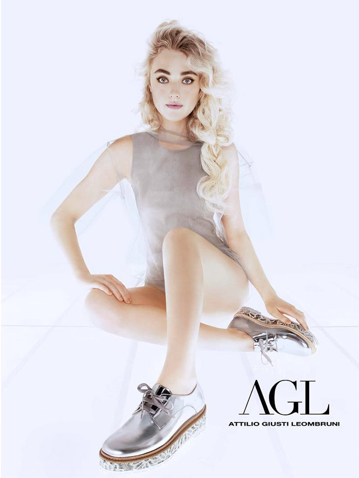 Dakota Fanning Gets Dreamy In AGL`s Spring 2016 Campaign