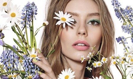 Dior-Glowing-Gardens-Makeup-Spring-2016-Ad