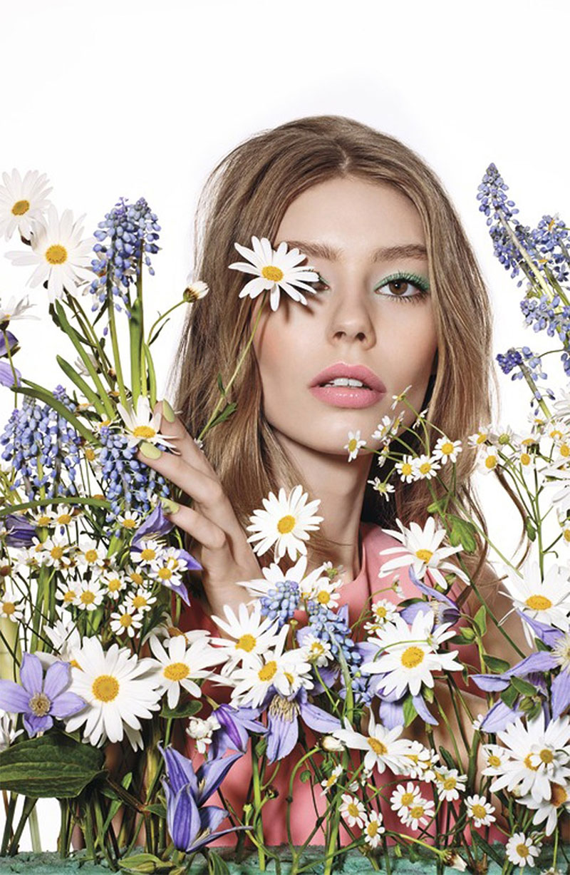 In Full Bloom: Dior 'Glowing Gardens' Makeup
