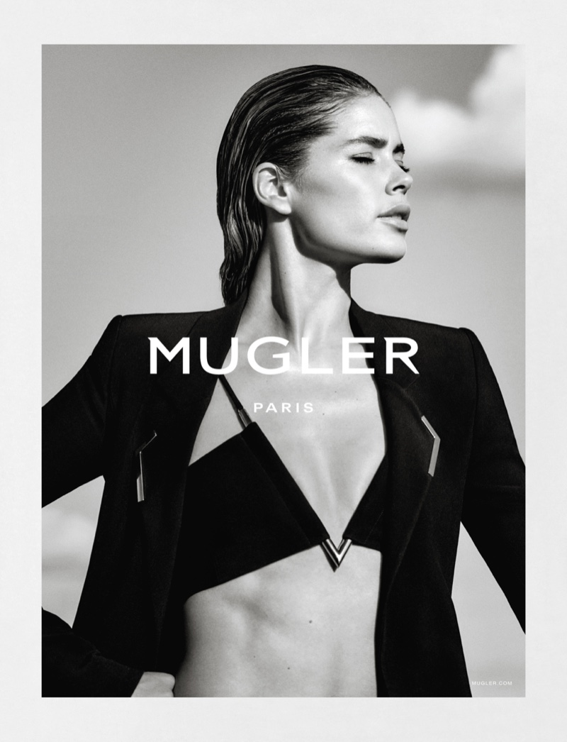 Doutzen poses in jacket and bralette from Mugler's spring 2016 collection