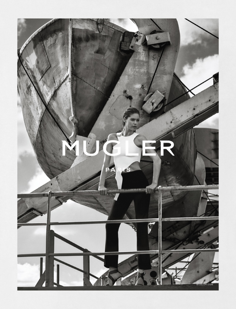 An  image from the Mugler spring-summer 2016 campaign