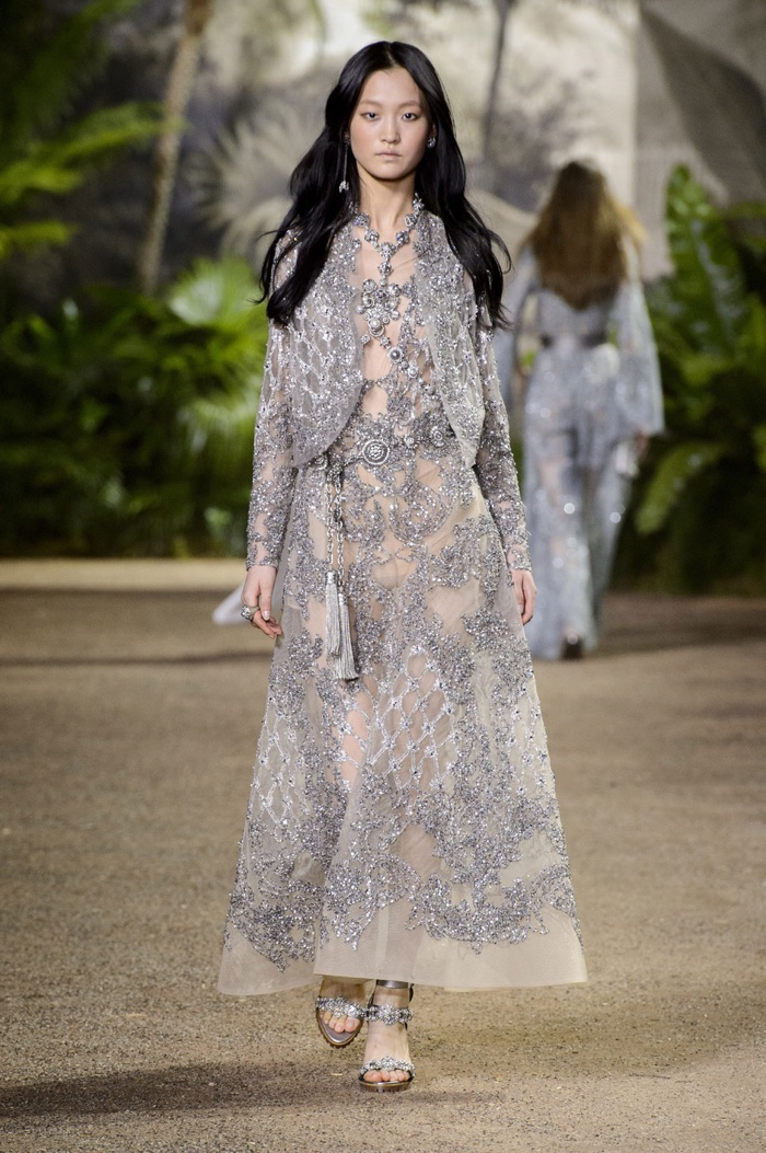Elie Saab Goes to India with Spring '16 Haute Couture