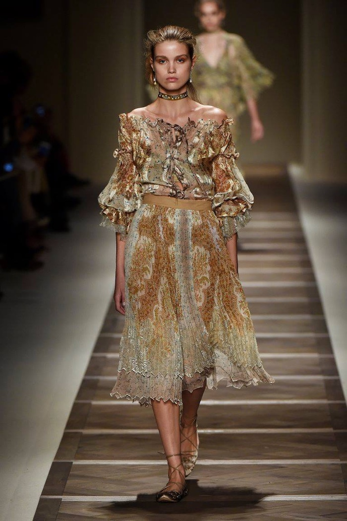 A look from Etro's spring 2016 collection