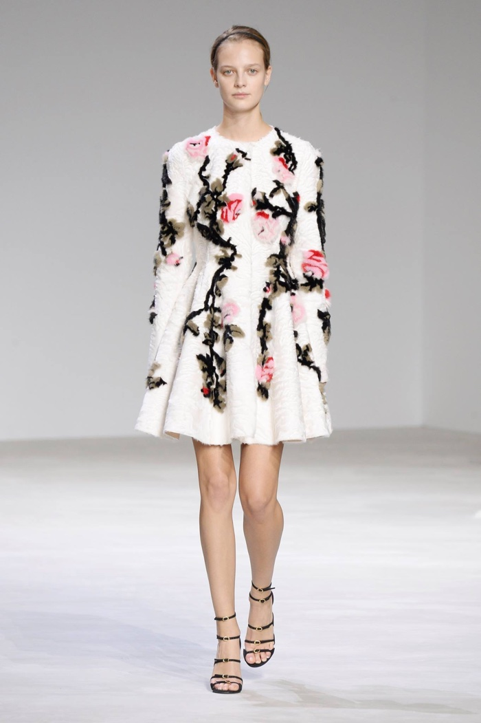 giambattista valli embraces florals for 2016