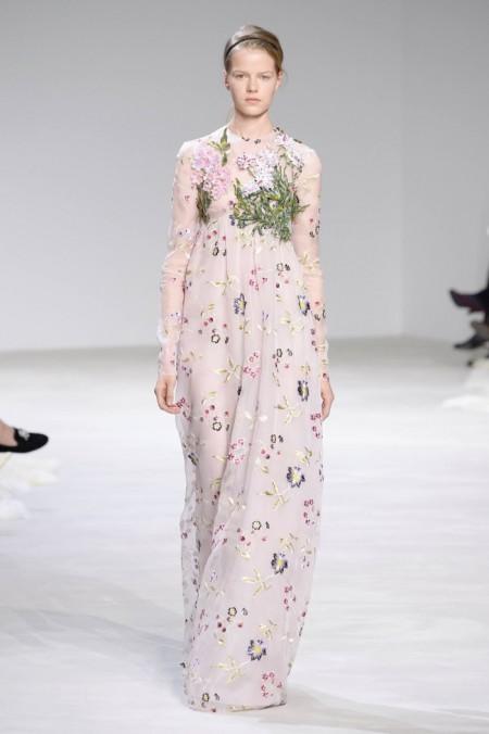 Giambattista Valli Embraces Florals for Spring 2016 Couture