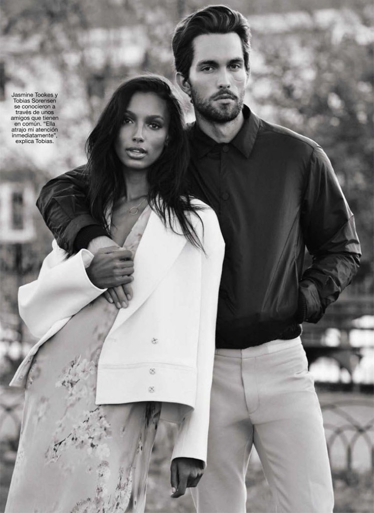 Jasmine and Tobias make a beautiful couple in this black and white snap