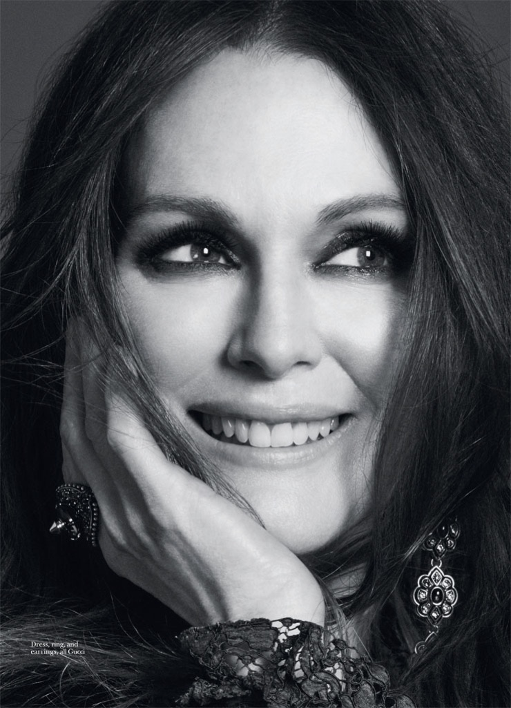 Julianne Moore poses for David Roemer in the photoshoot