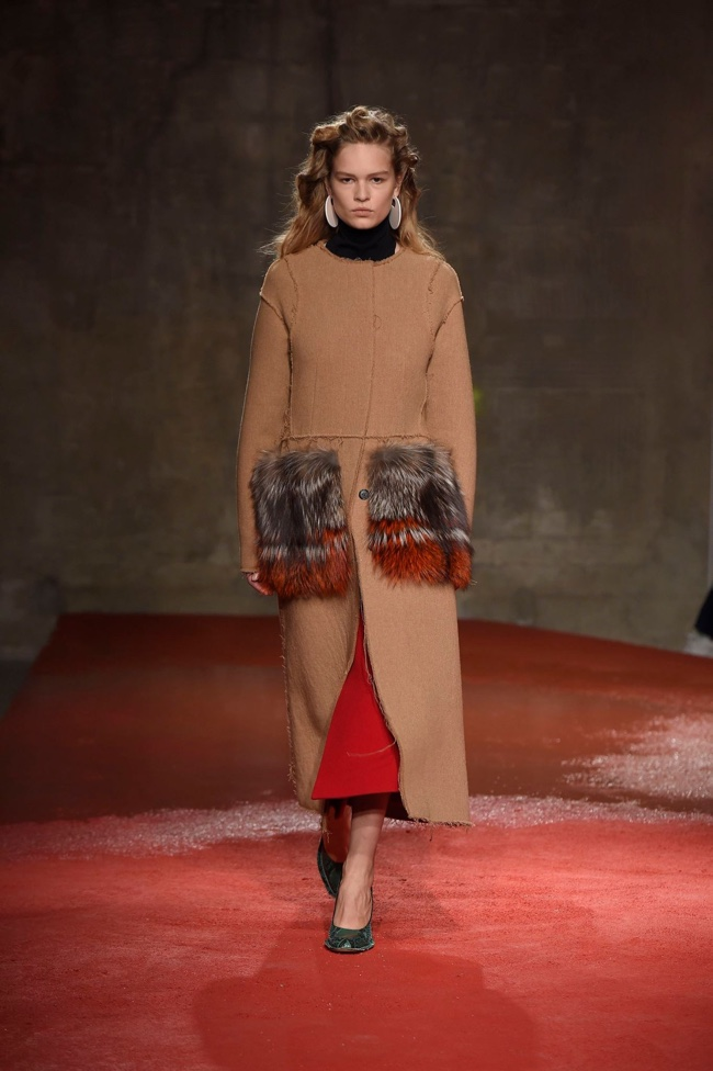 A look from Marni's fall-winter 2015 collection