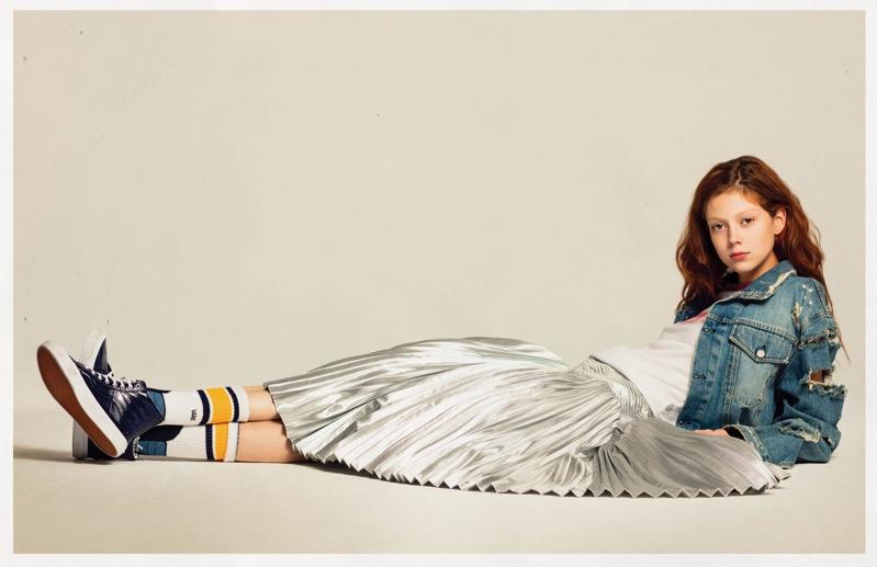 Natalie Westling models Vans Sk8-Hi Sneaker