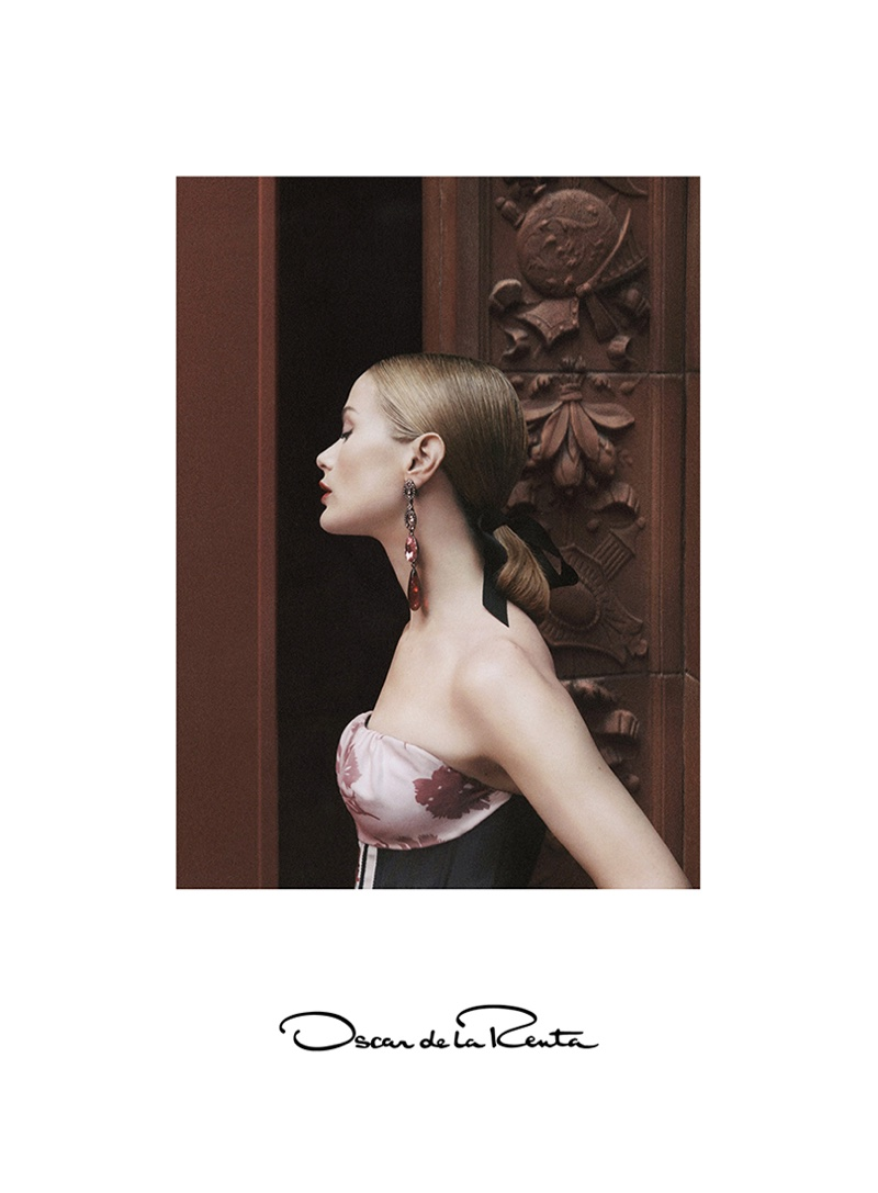 Carolyn Murphy Is Pure Elegance Is Oscar De La Renta`s Spring Ads