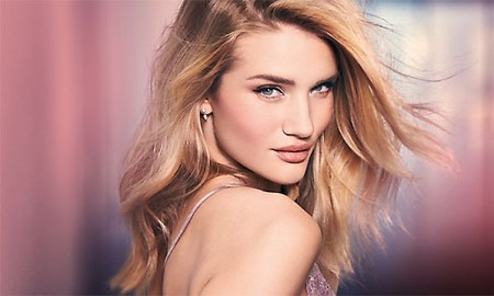 Rosie-Huntington-Whiteley-Makeup-Teaser