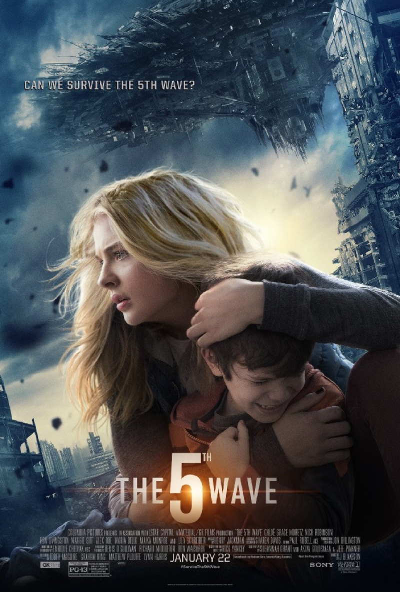 Chloe Grace Moretz on The 5th Wave poster