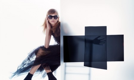Molly Blair wears head-to-toe black in Vera Wang's spring 2016 advertising campaign