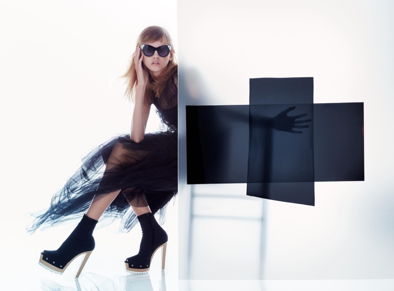 Vera Wang Goes Ultra-Modern for Spring '16 Ads