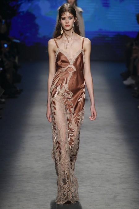 Alberta Ferretti Fall 2016 | Milan Fashion Week