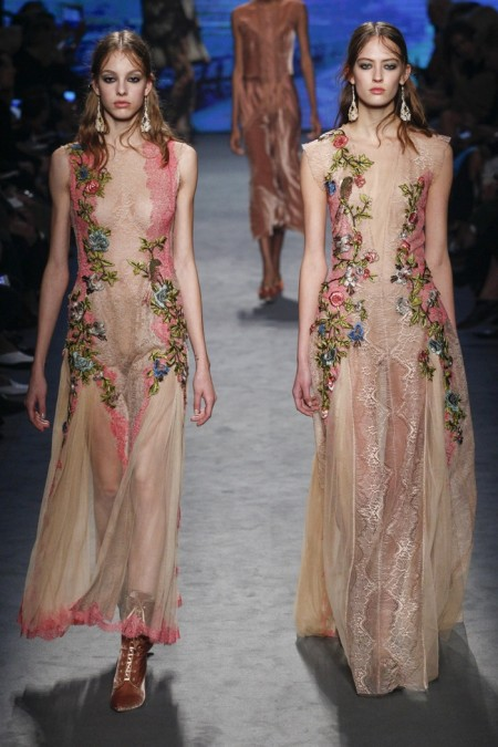 Alberta Ferretti Fall 2016 | Milan Fashion Week