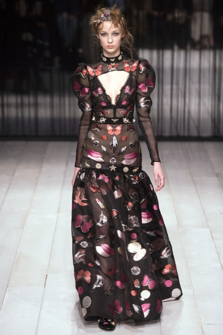 Alexander McQueen Fall 2016 | London Fashion Week