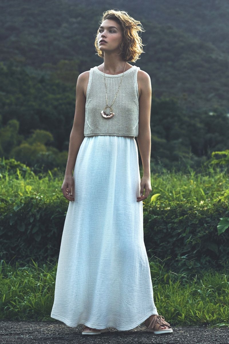 Arizona Muse Models Anthropologie S Dreamy Spring Dresses