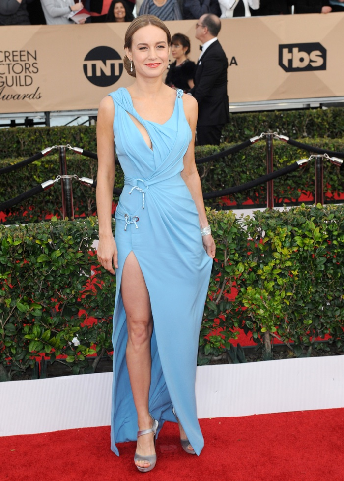 JANUARY 30th: Brie Larson attends the 2016 SAG Awards. Alicia wore a body-clinging blue, Atelier Versace dress. Photo: Tinseltown / Shutterstock.com