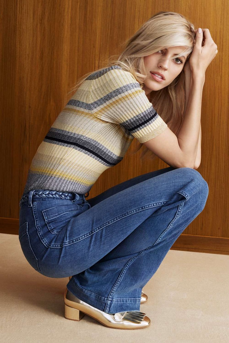 H&M Ribbed Sweater, Flared High Jeans and Gold Loafer Pumps