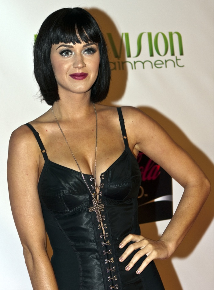 2008 katy perry was a fresh face on the scene with a short bob haircut