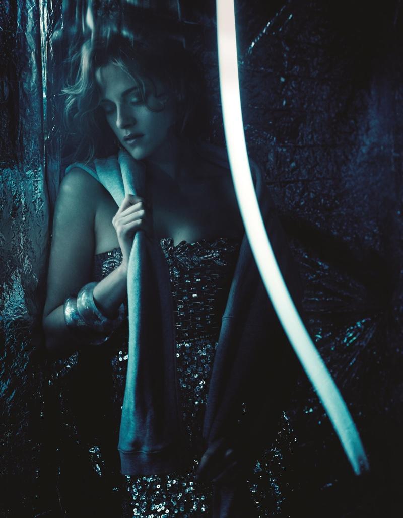 Kristen Stewart sparkles in a sequin embellished dress