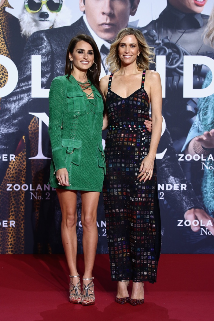 Penelope Cruz attends the Berlin, Germany, premiere of Zoolander 2 wearing a green Versace dress. Photo: Lucian Capellaro/Getty Images for Paramount Pictures