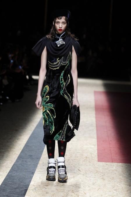 Prada Fall 2016 | Milan Fashion Week