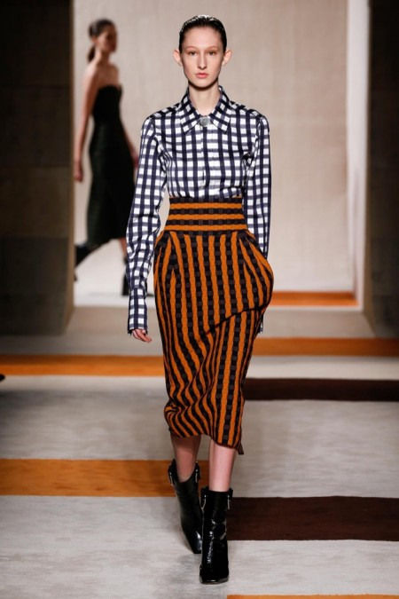 A look from Victoria Beckham's fall-winter 2016 collection