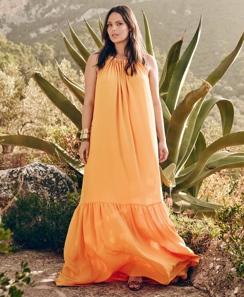 Candice Huffine stars in Violeta by Mango's spring 2016 clothing campaign