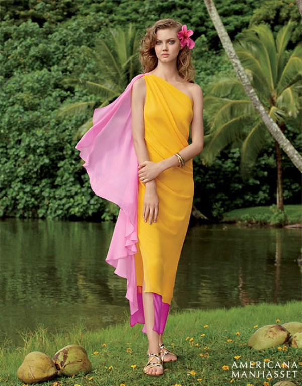 Lindsey Wixson charms in a Diane Von Furstenberg yellow and pink dress
