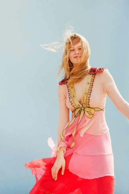 Anna Ewers Brings a Carefree Spirit to the Spring Collections in Stern Mode