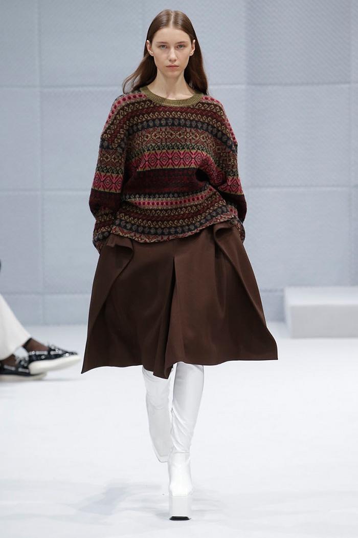 Balenciaga Fall 2016 | Paris Fashion Week