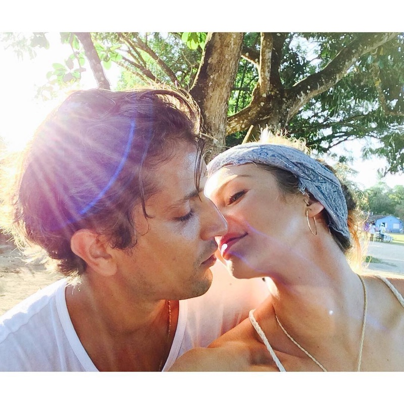 Candice Swanepoel shares a sweet photo with her fiance Hermann Nicoli as they are about to kiss. Photo: Instagram