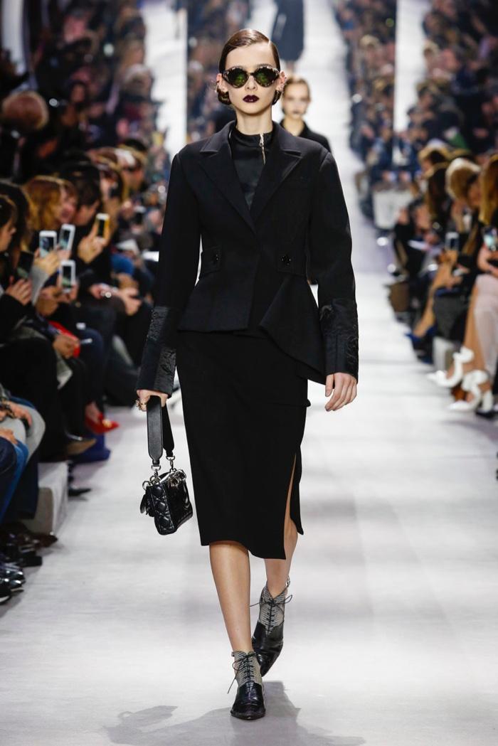 Dior-2016-Fall-Winter-Runway01