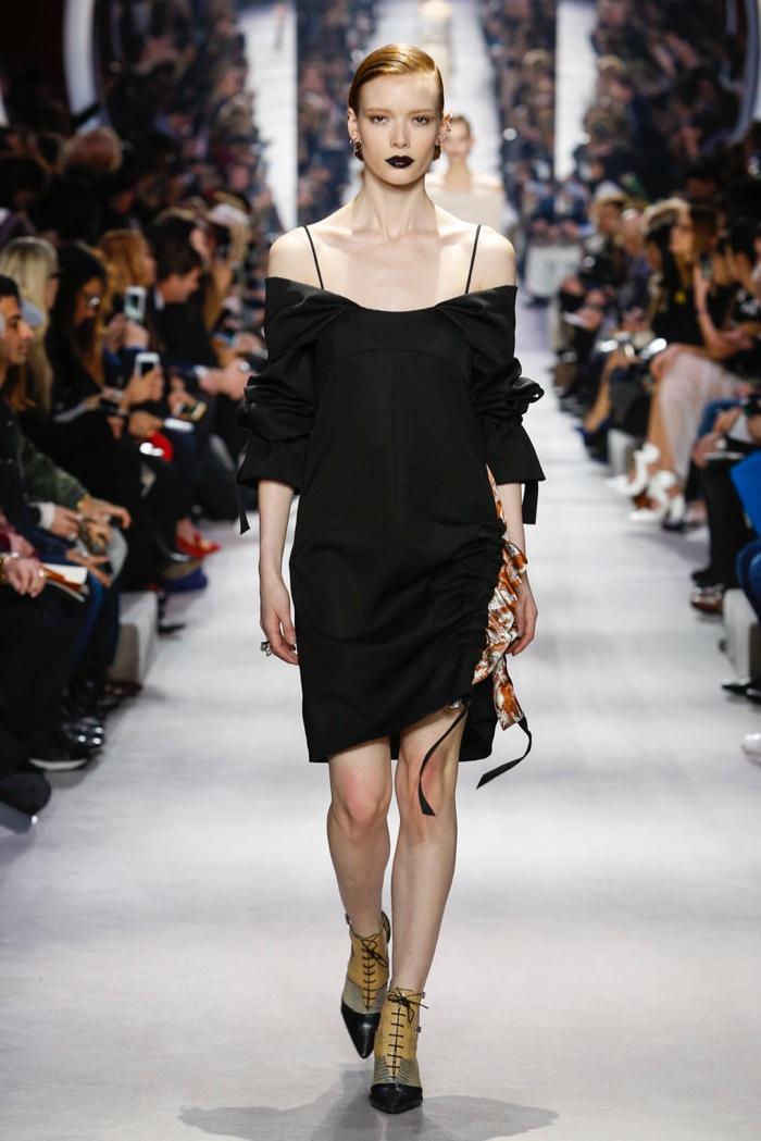 Dior-2016-Fall-Winter-Runway23