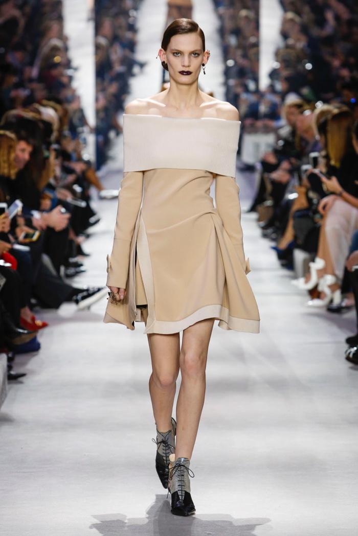 Dior-2016-Fall-Winter-Runway24