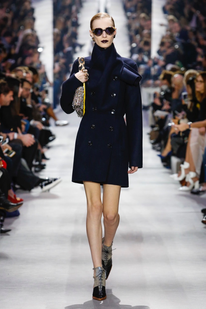 Dior-2016-Fall-Winter-Runway33