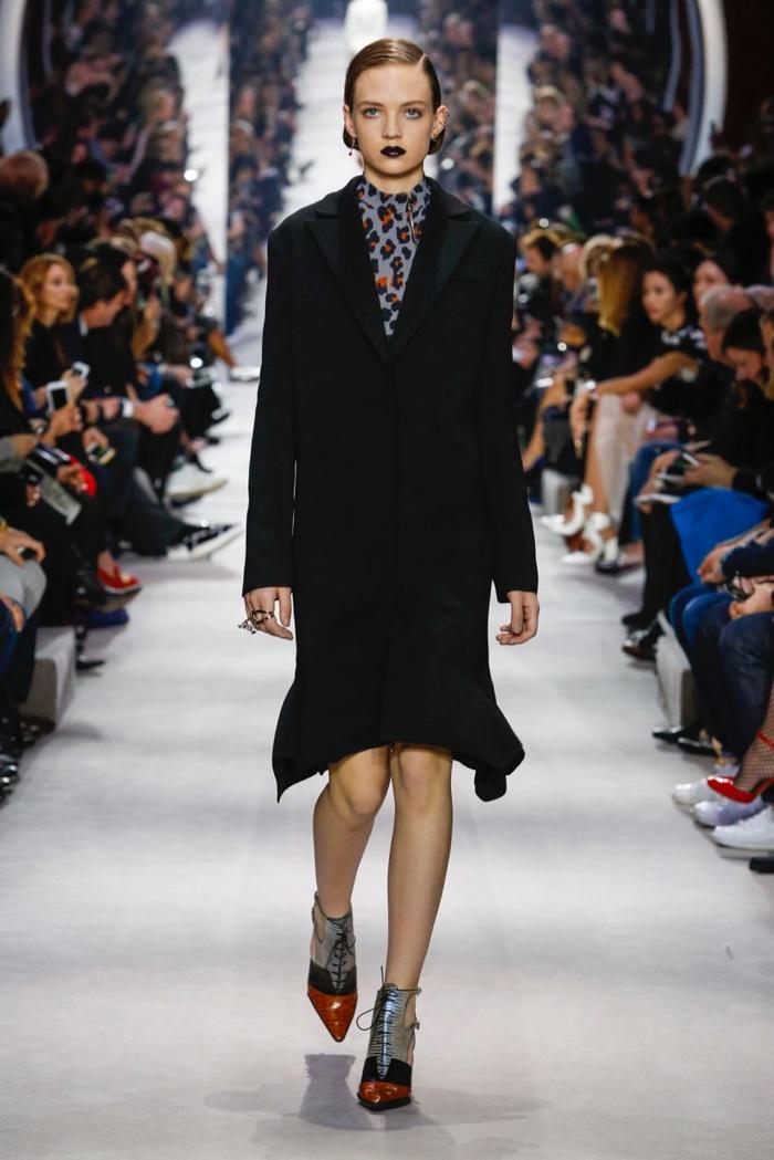 Dior-2016-Fall-Winter-Runway36