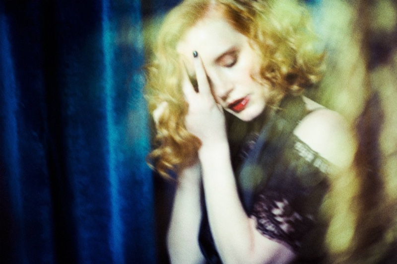 Jessica Chastain wears her hair in retro waves for the photo shoot