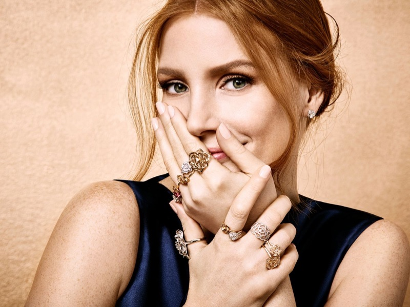 Jessica Chastain flaunts rings from Piaget