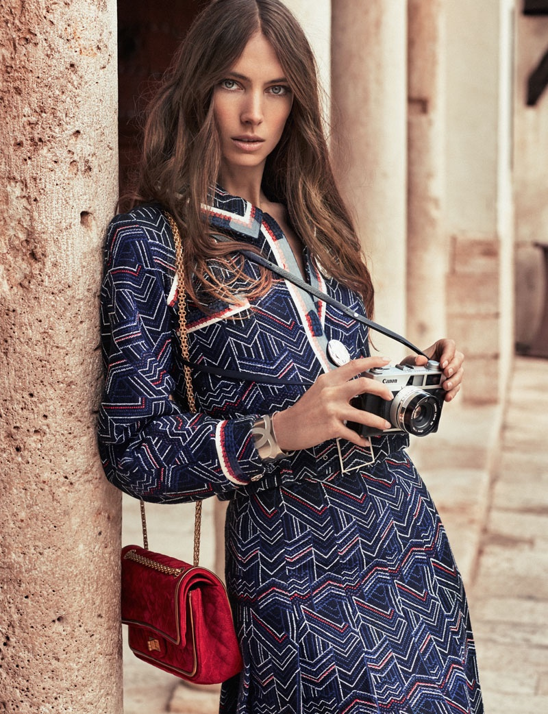 Jessica Miller Plays a Stylish Tourist in ELLE Spain by Xavi Gordo