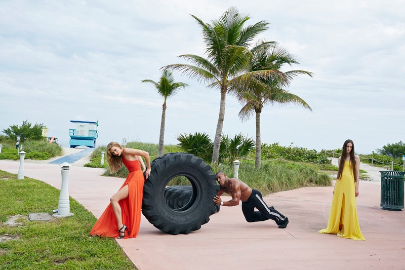 Posing in Miami, Karlie Kloss models a Prabal Gurung dress