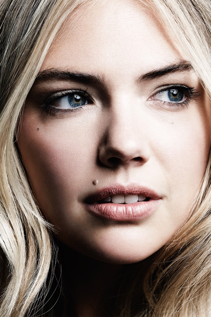 Kate Upton shows off a natural makeup look from Bobbi Brown