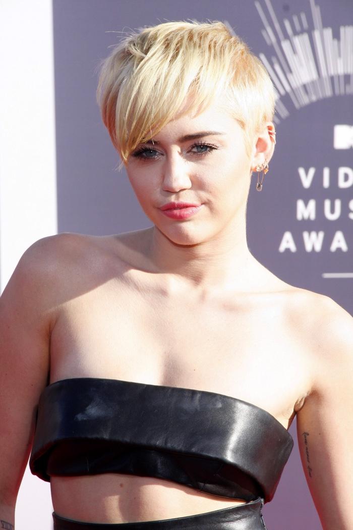 Miley Cyrus Blonde Bangs Haircut Short