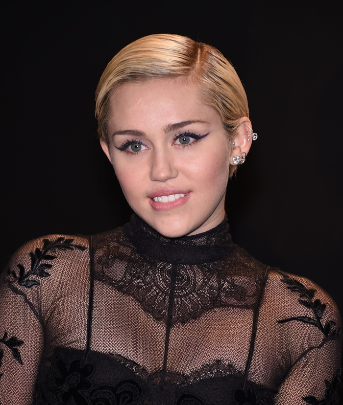 Sensational Miley Cyrus Hairstyles Miley39S Short Amp Long Hair Hairstyle Inspiration Daily Dogsangcom