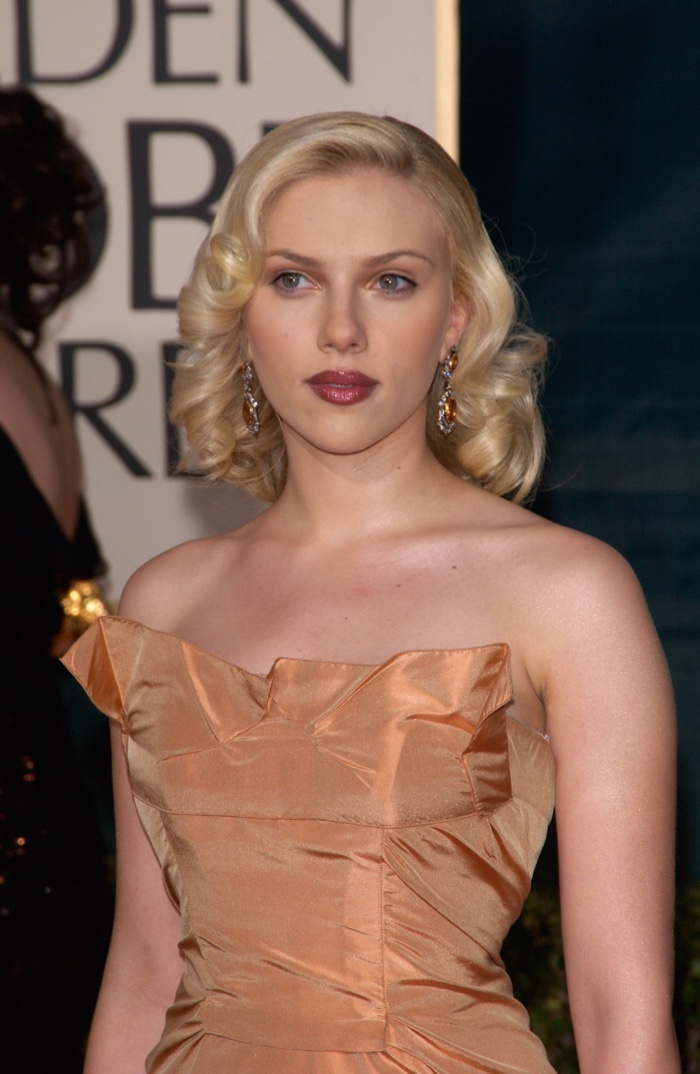 scarlett johansson hairstyles scarletts best hair photos