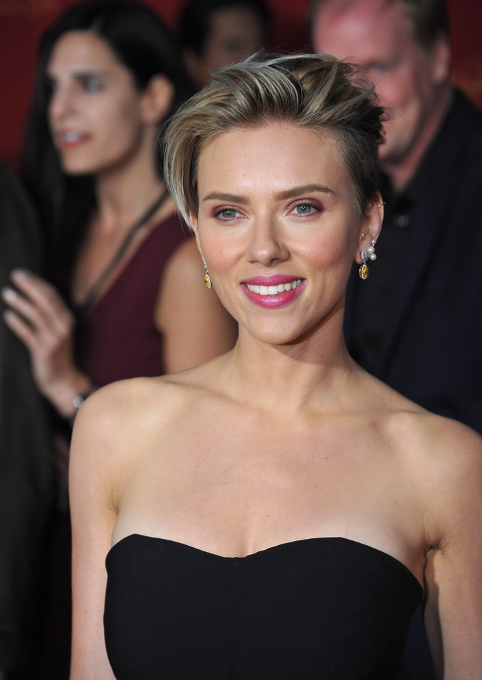 In 2015, Scarlett Johansson debuted a short haircut at the premiere of Avengers: Age of Ultron. Photo: Featureflash / Shutterstock.com