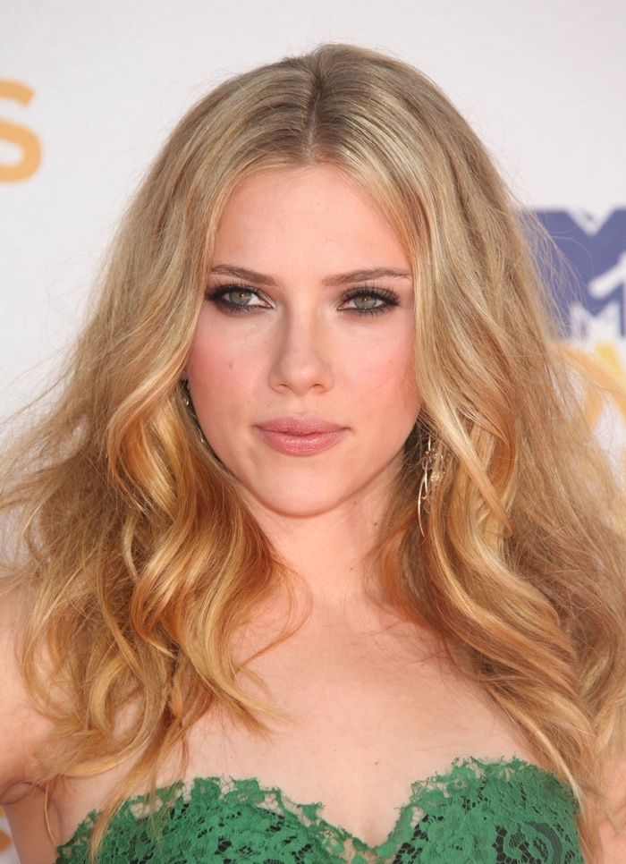 Light golden blonde hair